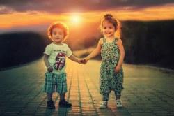 Apprendre à l'enfant à circuler seul en rue : des conseils pratiques