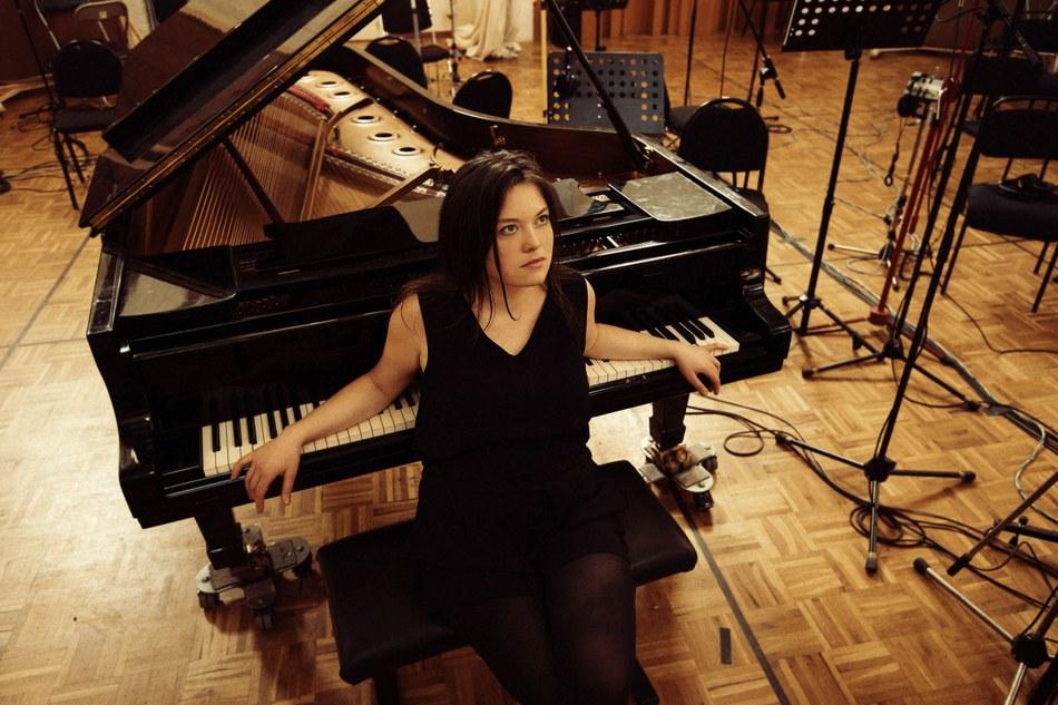 Mathilde Renault   Piano   Bruzz